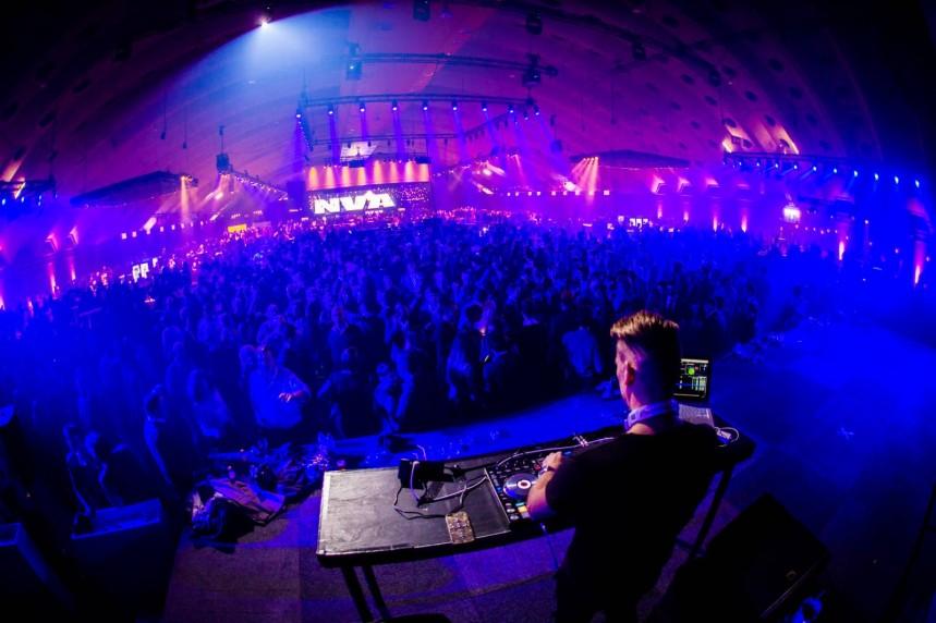 DJ Tom