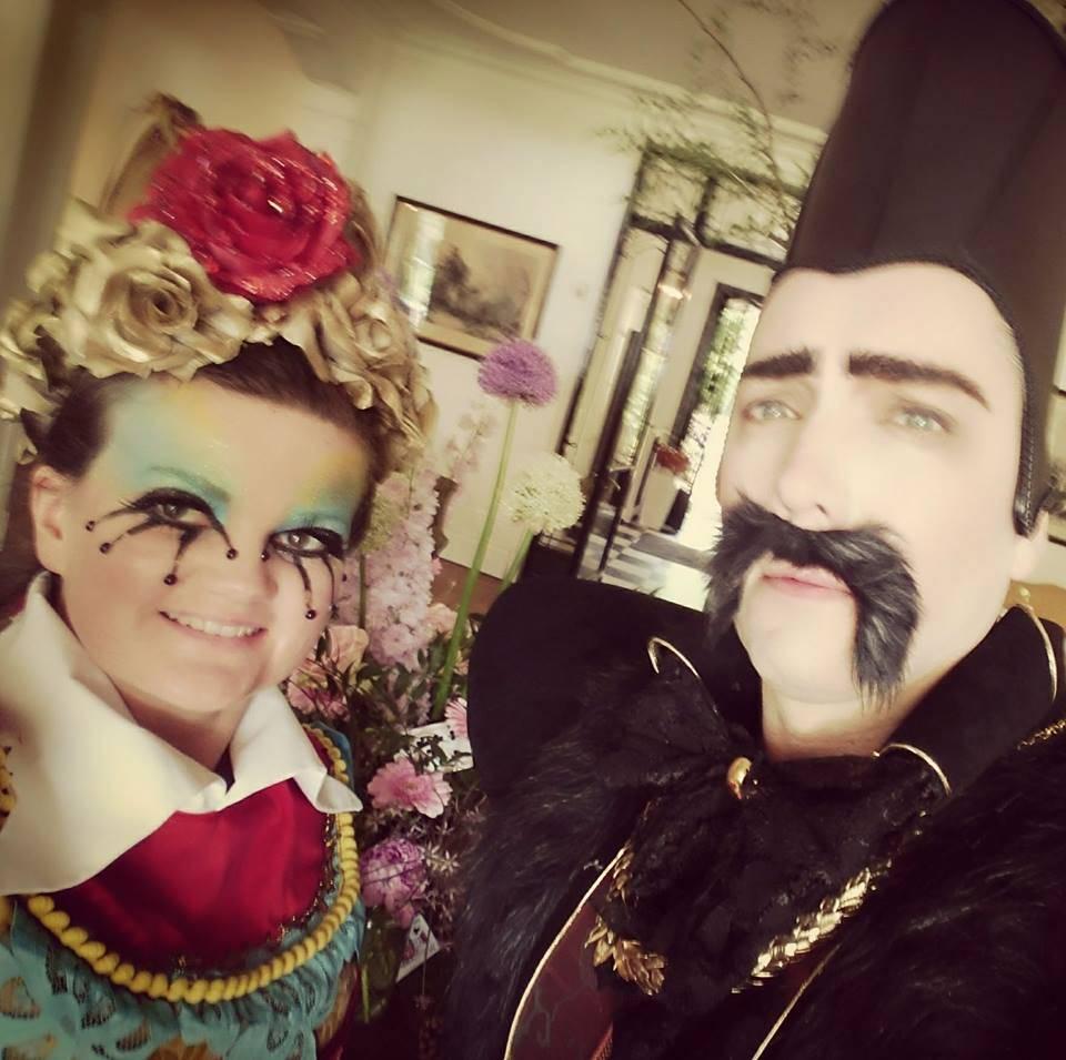 Alice in Wonderland Bregt en kelly - kopie - kopie - kopie