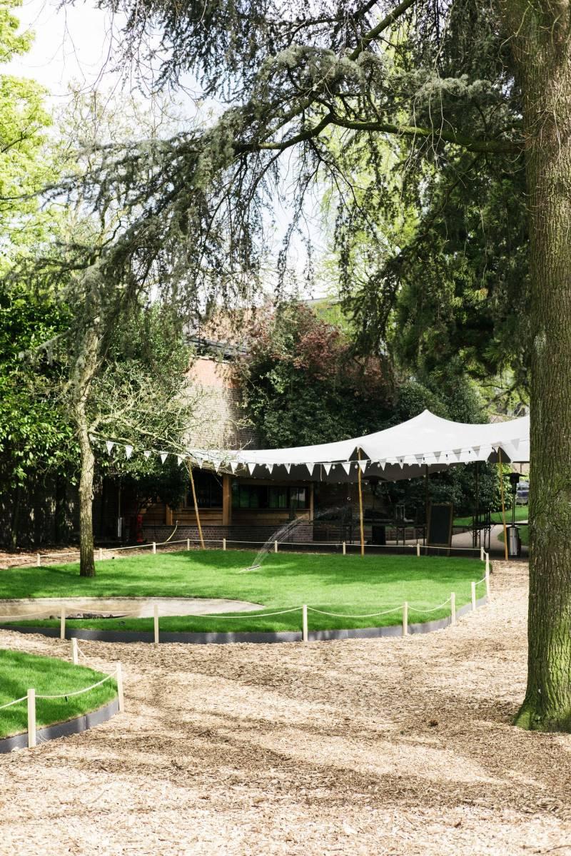 Alix - Table & Jardin d'Amis - Feestzaal - Feesttuin - House of Weddings - 11