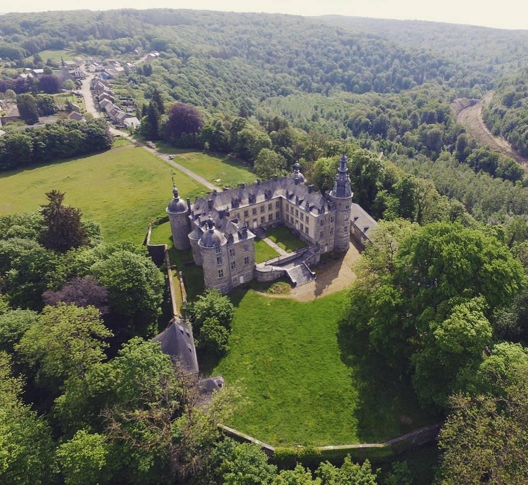 Château de Mirwart_voor ren