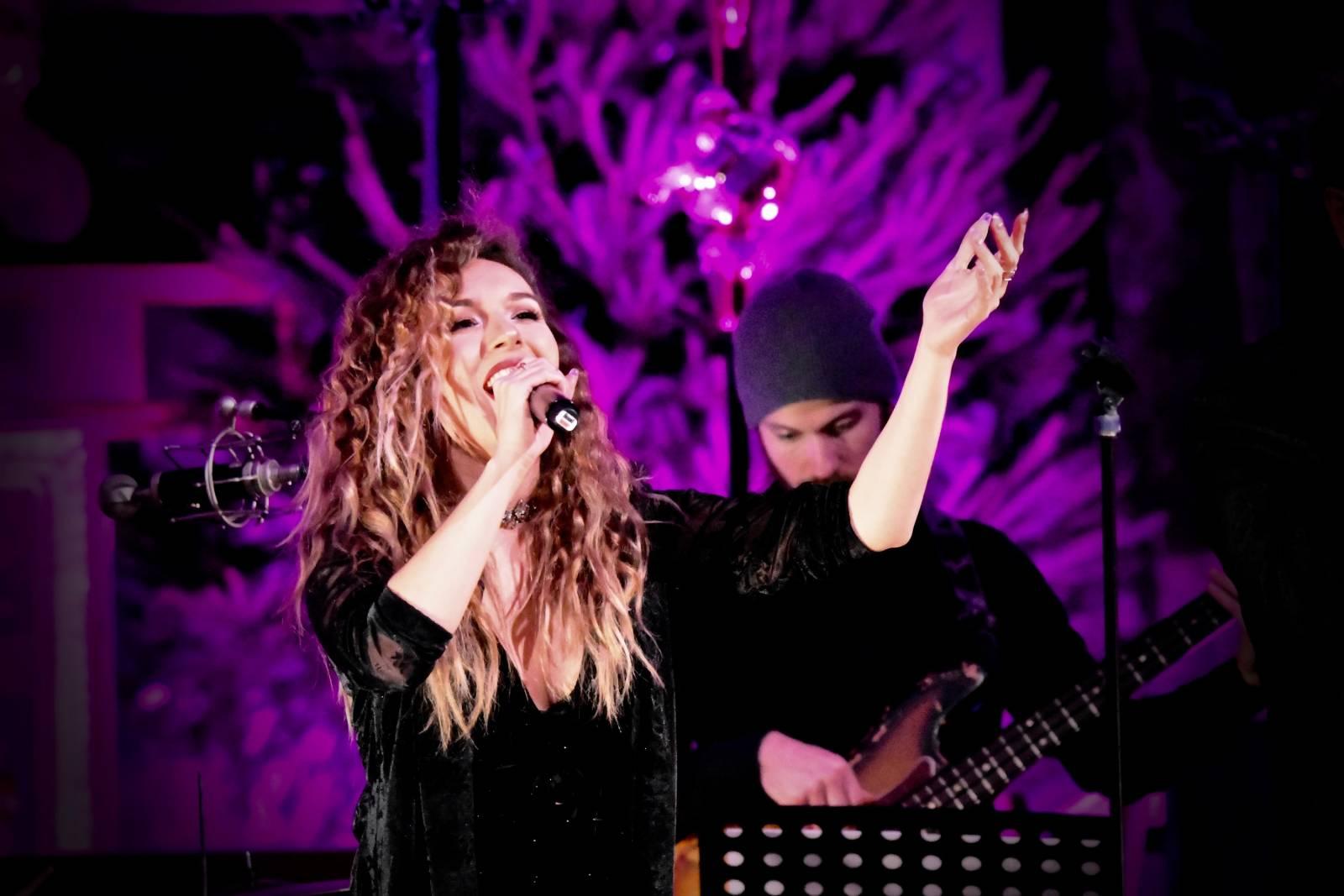 Dunja artiest zangeres livemuziek house of events (2)