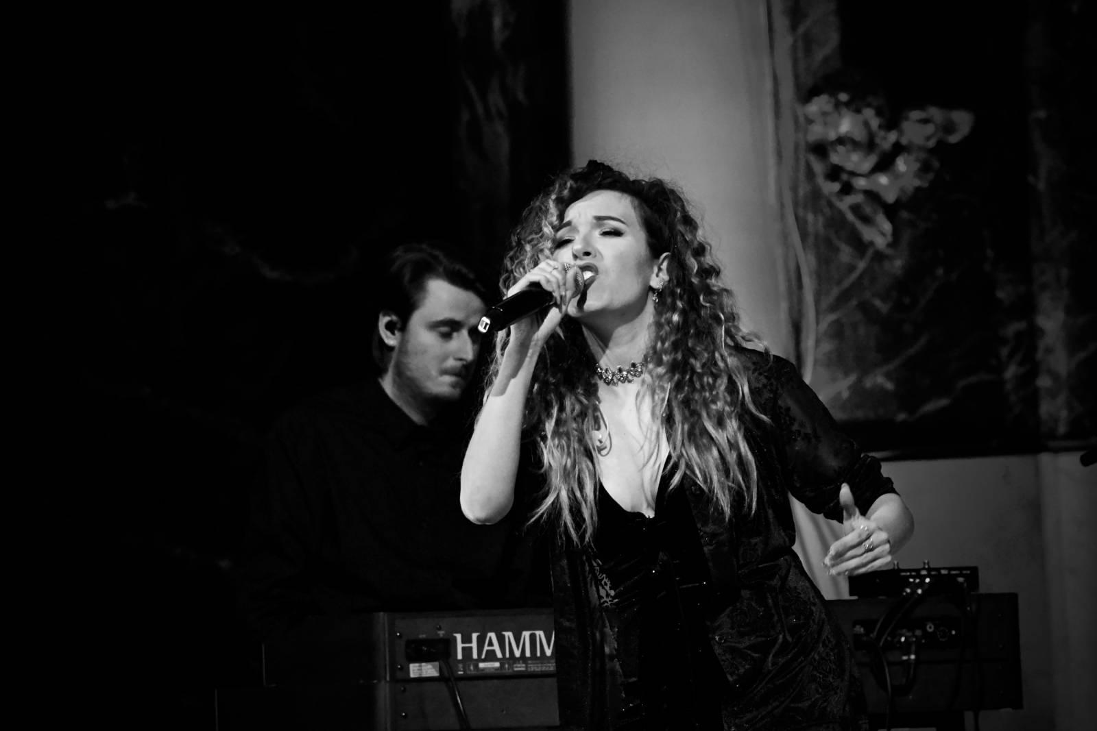 Dunja artiest zangeres livemuziek house of events (5)