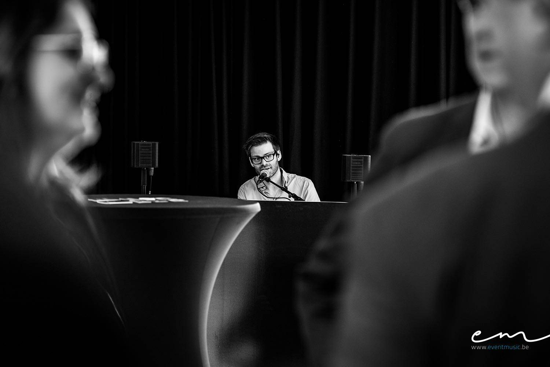 Event Music - Live muziek event - Zanger en pianist Andy Sergeant - House of Events - 10