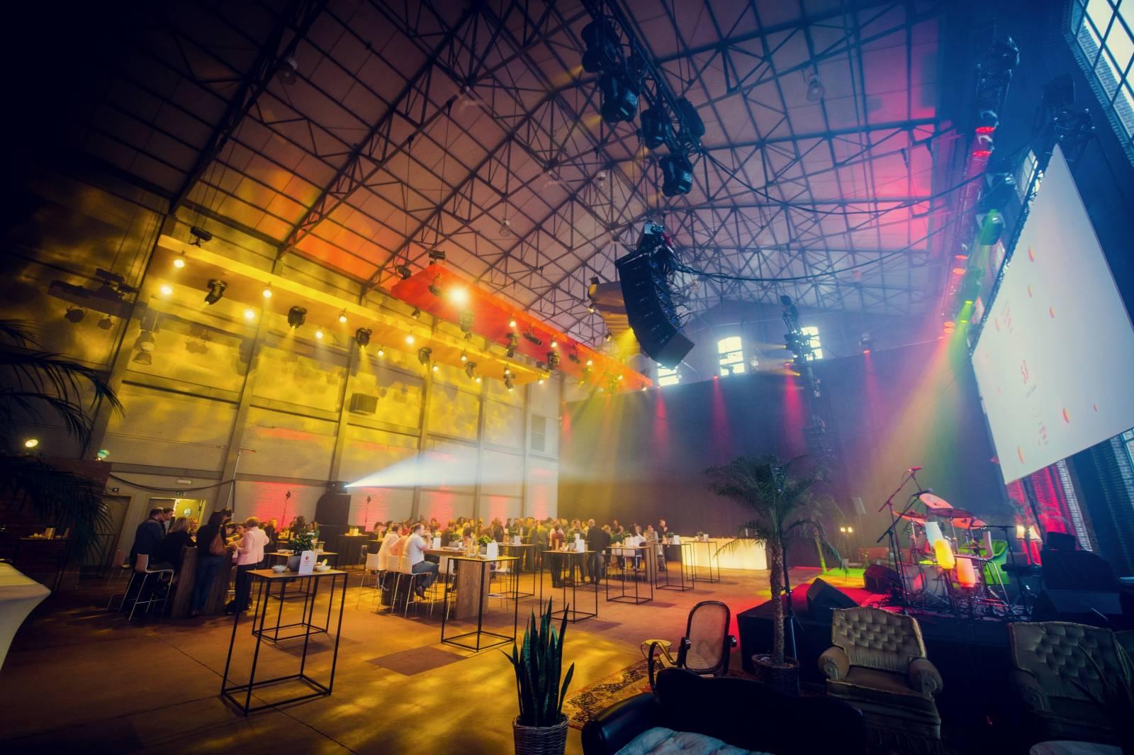 Hangar 43 - Feestzaal - Feestlocatie - Industrieel - Dendermonde (Antwerpen) - House of Events - 2