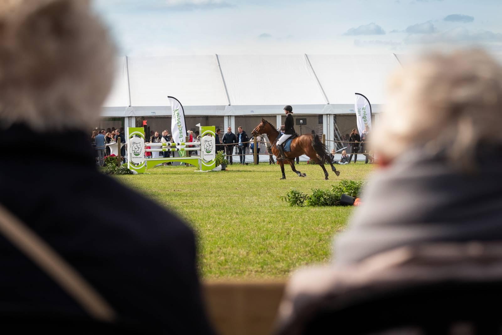 Tentmoment - Feesttent - Tent Event - Verhuur Tenten - Fotograaf Jurgen De Witte - House of Events - 44